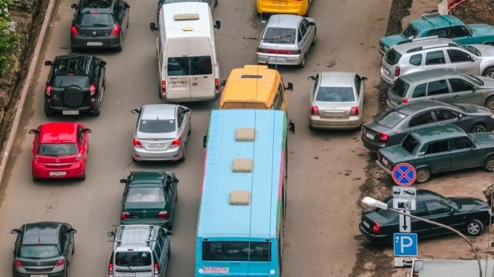 Нехватку автобусов на городских маршрутах Самары обещают ликвидировать к осени