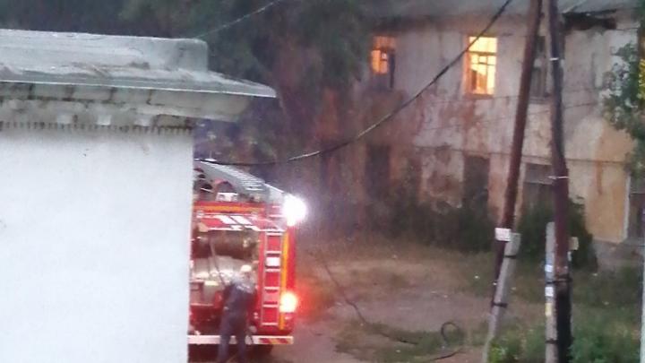 И снова пожар: в Промышленном районе ночью горел двухэтажный дом