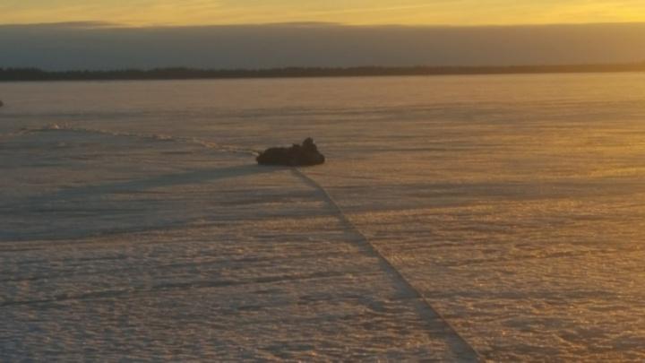 «Мотособака утонула сразу»: в Онежском районе спасли трёх мужчин, рыбачивших на опасном льду