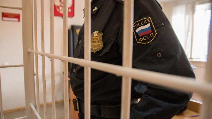 Задушил по пьяни: жителя Тольятти отправили под суд за убийство женщины и ее 16-летней дочери