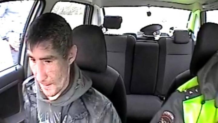 На трассе под Нижним Тагилом инспекторы ГИБДД остановили пьяного водителя с помощью табельного оружия