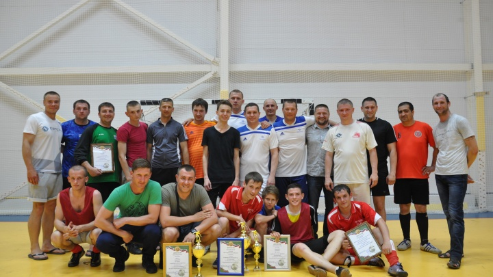 На одном дыхании: в Котельникове завершился турнир по мини-футболу