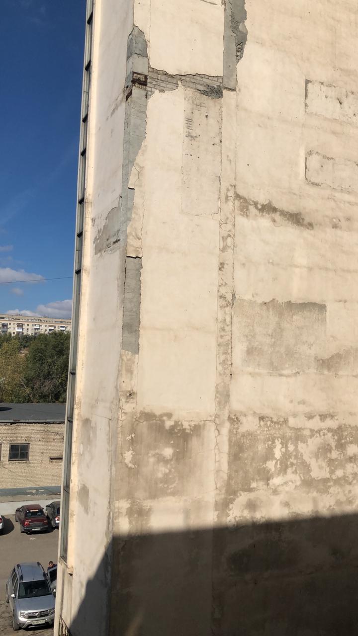 Ремонтом здания никто и не думает заниматься
