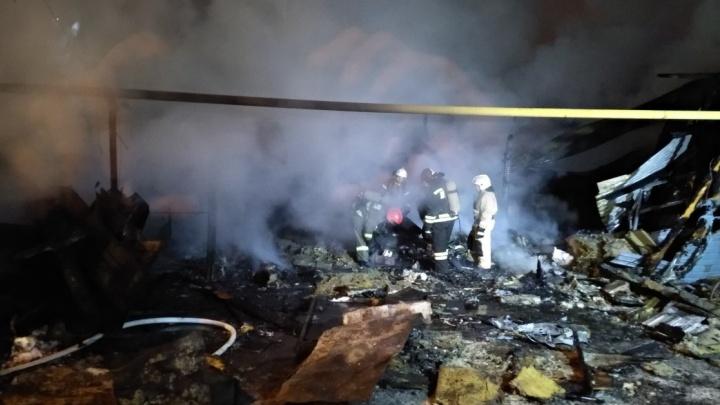 Осталось только пепелище: в Самаре ночью выгорел жилой дом