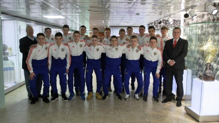 Молодые новосибирские футболисты отправятся на матчи в Португалию