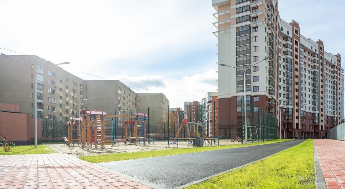 Для маленьких жителей установили несколько игровых комплексов