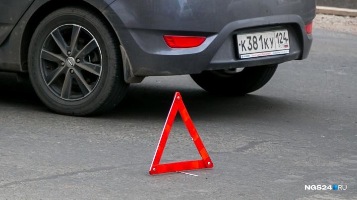 Nissan на Свердловской сбил девочку-подростка, бегущую по «зебре» на красный