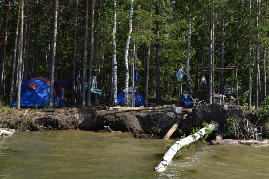 В Караканском бору расположилась одна из самых популярных новосибирских баз отдыха