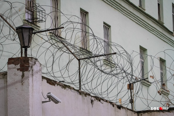 Житель Новочеркасска обчистил гараж своего друга и попал в СИЗО, где будет ждать приговора