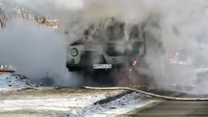 Дорожное видео недели: факел из УАЗа, 5 суток за тонировку и масса ДТП с пешеходами