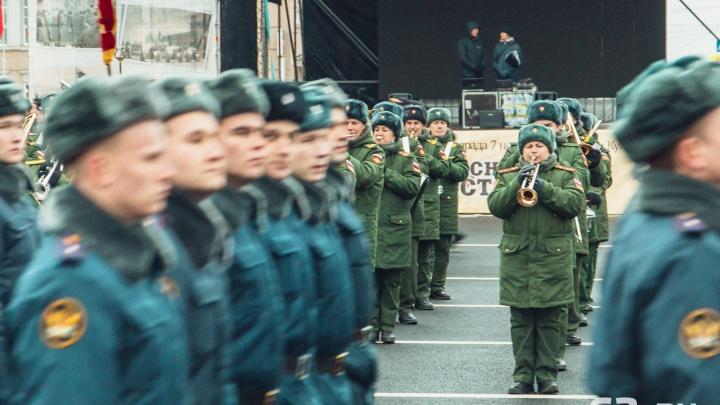 «Проведем при любой погоде»: публикуем расписание самарского парада Памяти