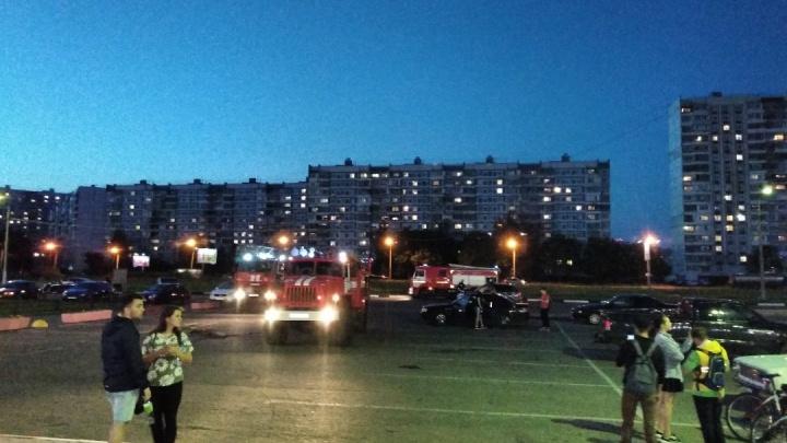 В Ярославле эвакуировали «Альтаир»: на месте больше 10 пожарных машин