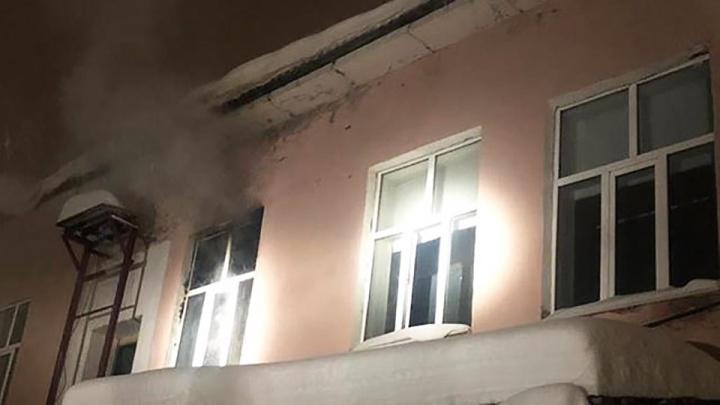 Пожар в торговом центре в Башкирии попал на видео