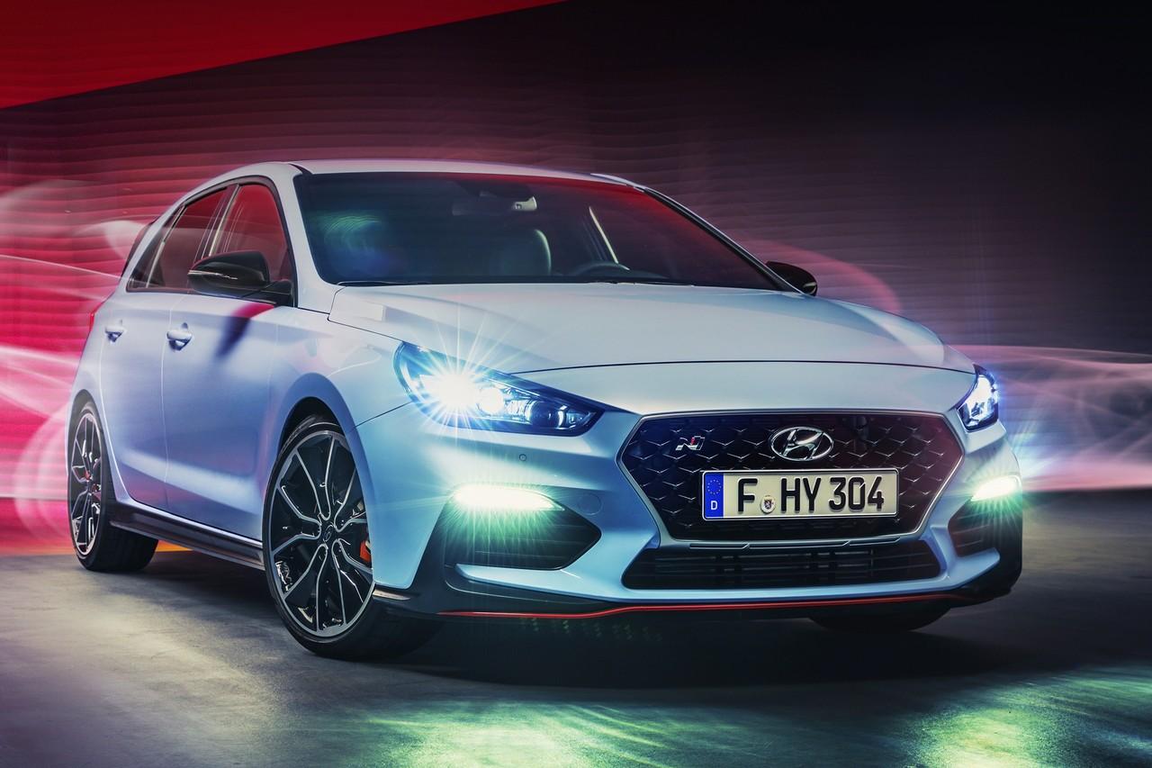 Hyundai i30N является заряженной версией обычной «тридцатки» с двигателем мощностью 249 л. с.