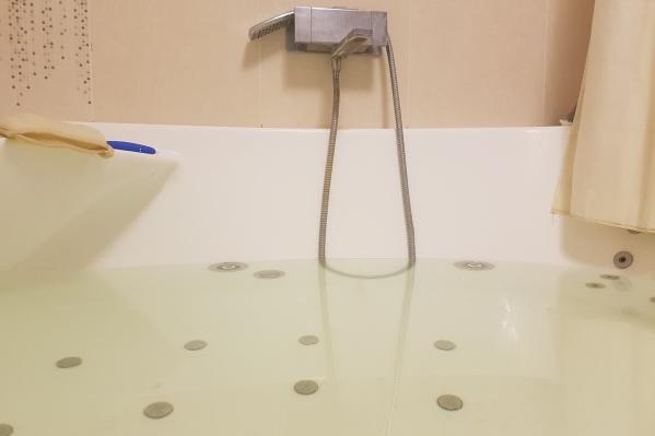 Обеспечить питьевой водой по закону администрация должна в течение суток