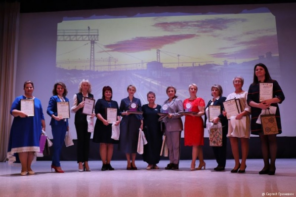 Победительница конкурса Ирина Рожкова — пятая слева