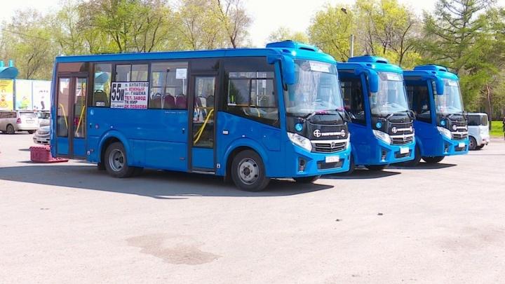 Омский перевозчик купил шесть синих автобусов