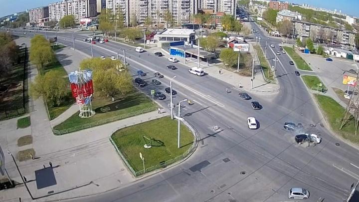 Водитель BMW устроил смертельное ДТП в Челябинске, протаранив три машины