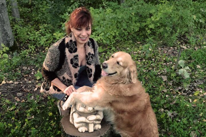 Незрячая Татьяна Архипова ходит по Новосибирску с собакой-поводырём