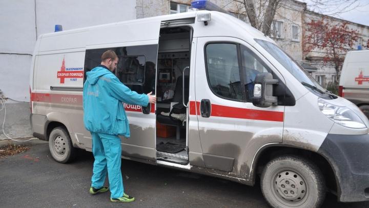 На Эльмаше у подъезда нашли тело избитой до смерти женщины
