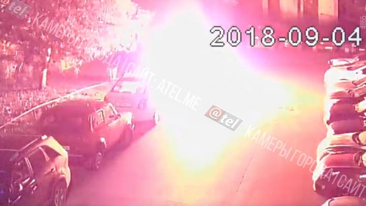 «Уроды трусливые!» Депутату из Ярославской области подожгли «Лексус». Видео