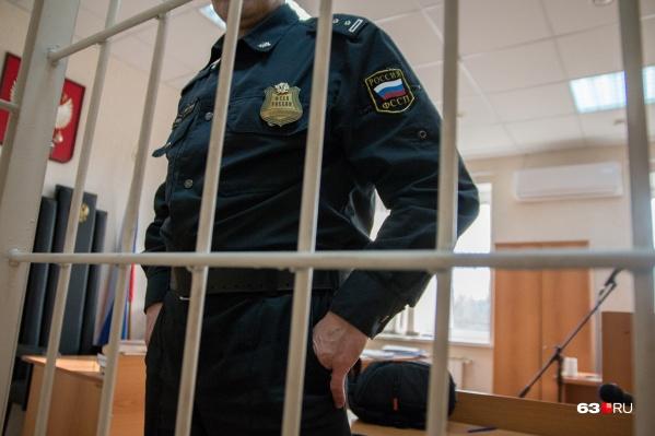 Экс-сотрудник прокуратуры пробудет под арестом до февраля