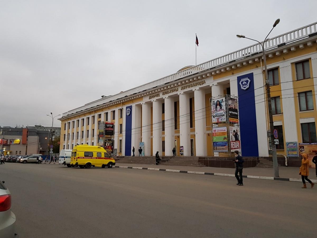 """Массовая эвакуация в Нижнем Новгороде: """"заминировано"""" более 100 зданий. Следим онлайн"""
