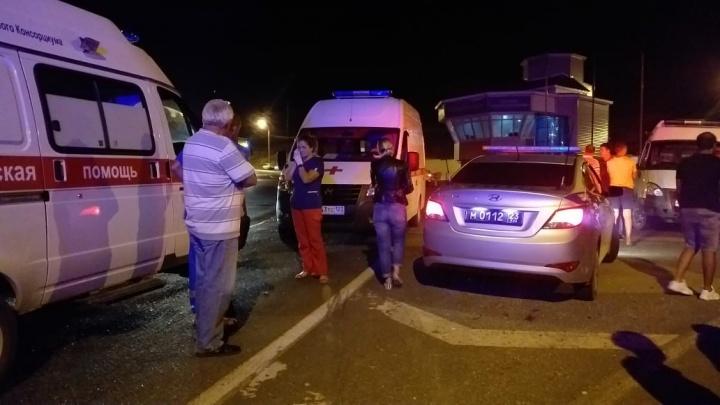 В упавшем с обрыва автобусе под Новороссийском пострадали 3 жителя Ачинска