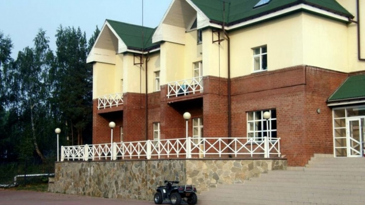 Директора санатория в Челябинской области оштрафовали за долги по зарплате 104 работникам