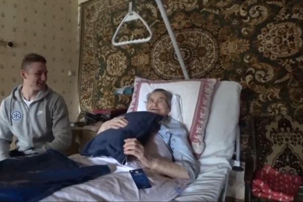 ХК «Сибирь» поздравляет Таисию Фёдоровну с днём рождения три года подряд