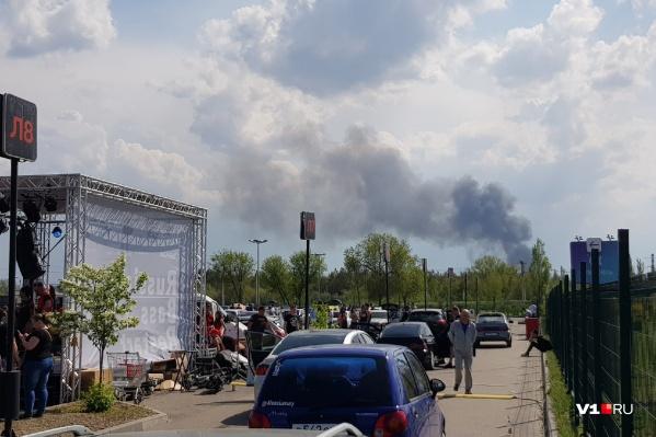 Дым заметен с разных концов Волгограда