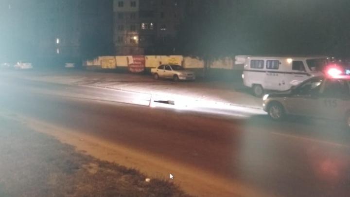 Сбил и уехал: женщина погибла под колёсами тёмного «Мерседеса»на Юго-Западном жилмассиве