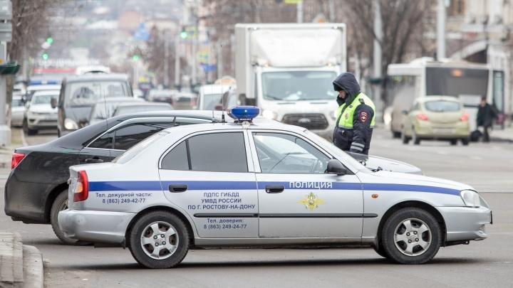 В Ростове автомойщик угнал иномарку клиента и попал в аварию