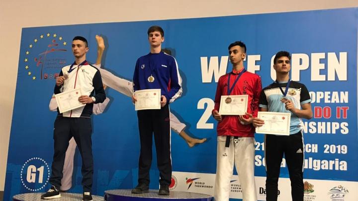Новосибирец съездил в Болгарию и завоевал путёвку на чемпионат Европы по тхэквондо