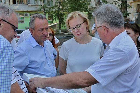 Глава Кировского района Игорь Рудаков и глава города Елена Лапушкина