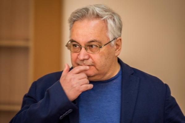 После вынесения приговора Михаила Садового взяли под стражу— до этого он был под домашним арестом
