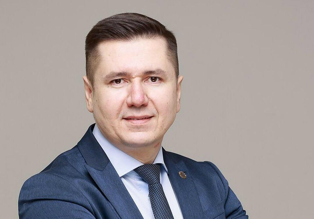 Константин Новиков — опытный юрист и специализируется на налоговой безопасности предприятий