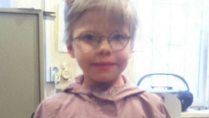 В Екатеринбурге ищут родителей потерявшейся маленькой девочки