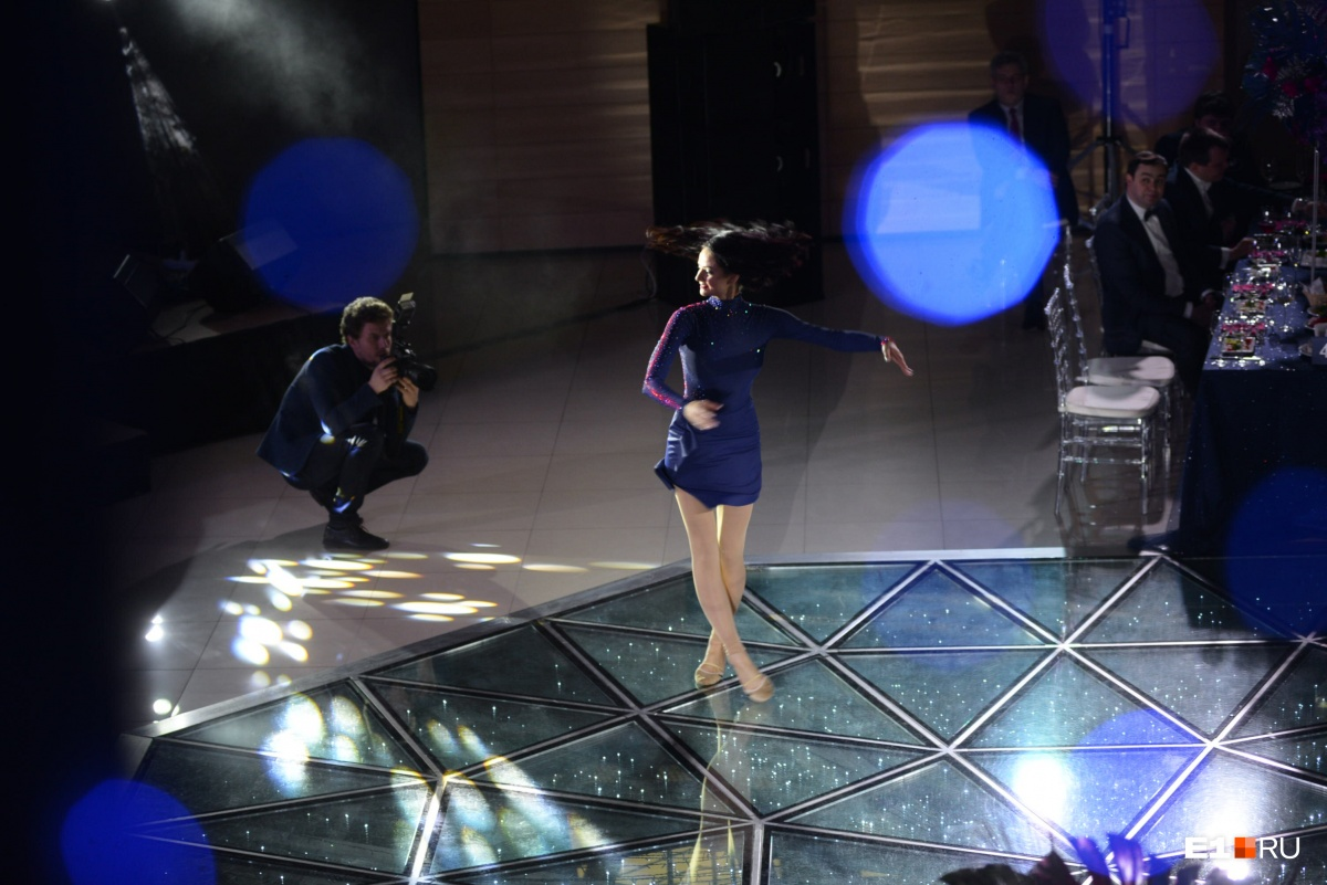 Танцует сама Ольга