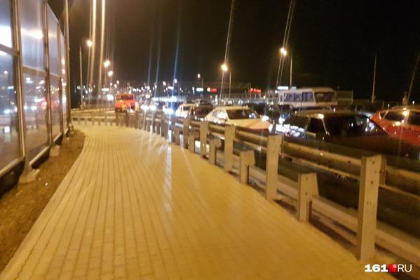 Ростовчане встали в длинную пробку на Ворошиловском мосту