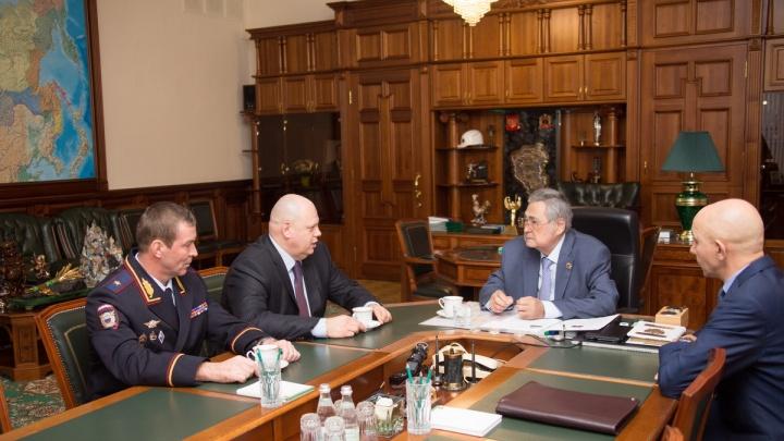 Тулееву представили нового главу МВД по Кемеровской области (фото)