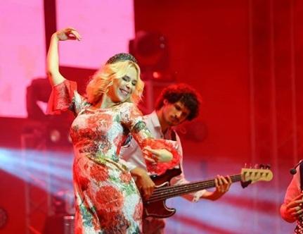 Как Пелагея зажигала на красноярском концерте, который обошелся в 1,5 миллиона