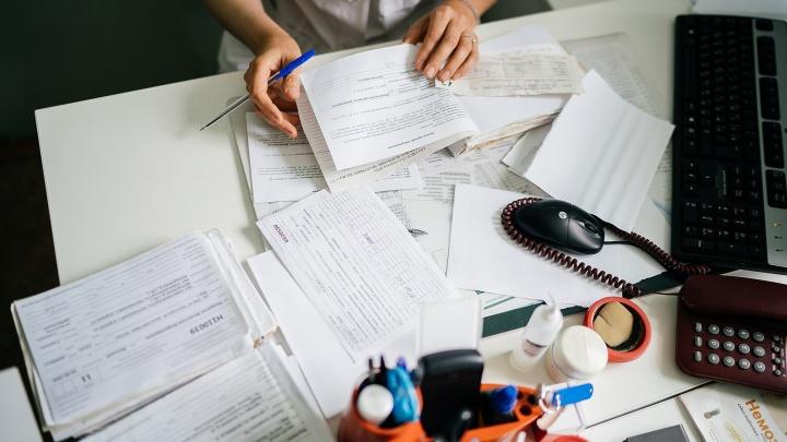 Преподаватели новосибирских вузов обогнали врачей по зарплате