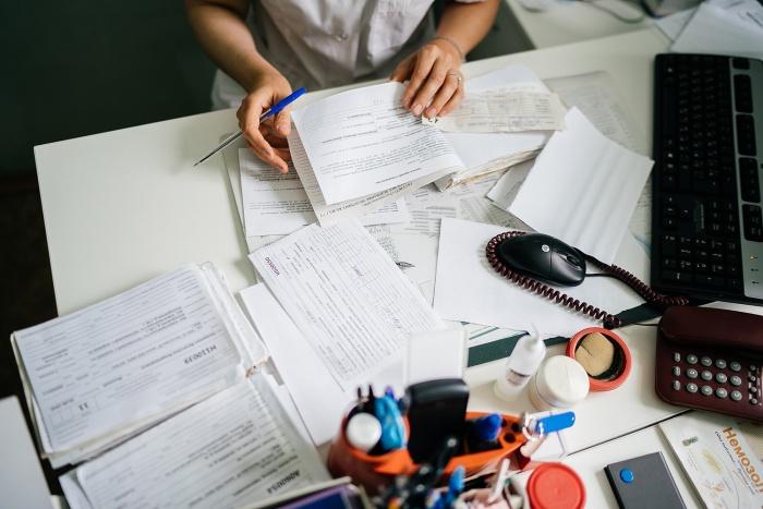 У новосибирских врачей средняя зарплата выросла на 4,5 тысячи рублей