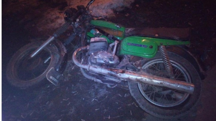 Потерял управление и перевернулся: в Перми серьезно пострадал 28-летний мотоциклист
