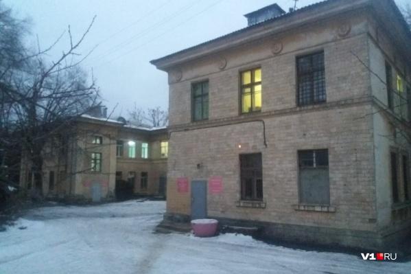 Из Волжского шестерых москвичей госпитализировали во 2-ю инфекционную больницу
