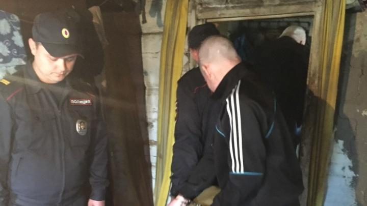 На Урале судят мужчину, который после ссоры поджег одежду на своем соседе-инвалиде. Он погиб