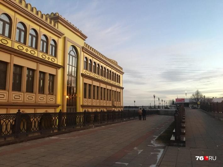 Кличко просят разобраться с дебаркадером в заливе Берковщина ... | 531x709