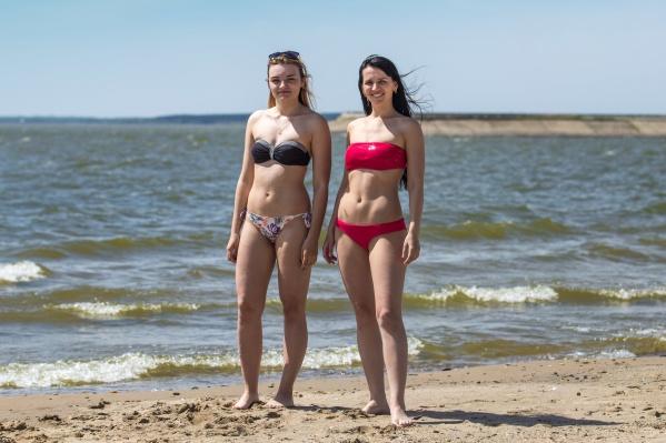 Из пляжей Советского района пока официально открыта только «Звезда»— в других местах на берегу слишком много приплывших деревьев