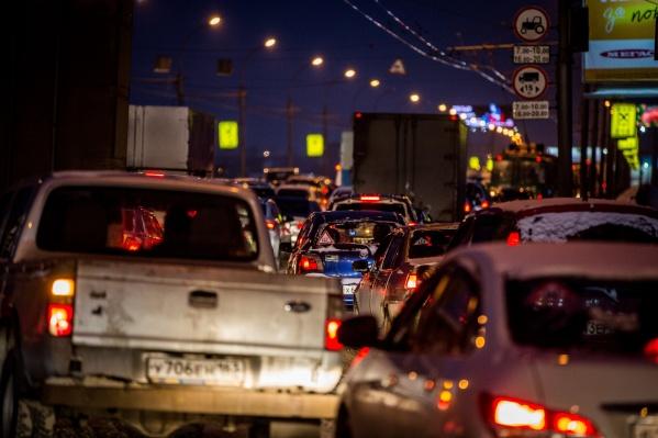 Пробки серьёзные, но меньше, чем перед Новым годом